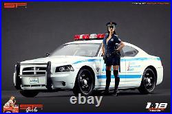 118 Police girl figurine VERY RARE! NO CARS! For diecast by SF
