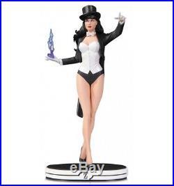 DC Direct cover girls statue Zatanna
