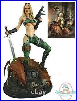 Heavy Metal Alien Marine Girl 14 Scale Statue Hollywood Collectibles